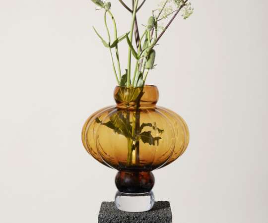 Louise Roe Balloon vase - 02- Amber