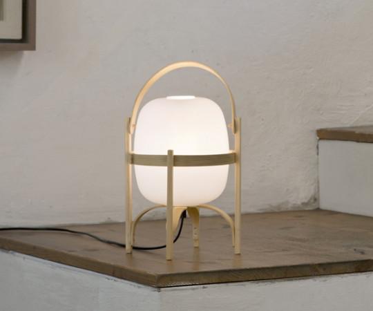 Santa & Cole Cestita Bordlampe Med Opal Glas Skærm