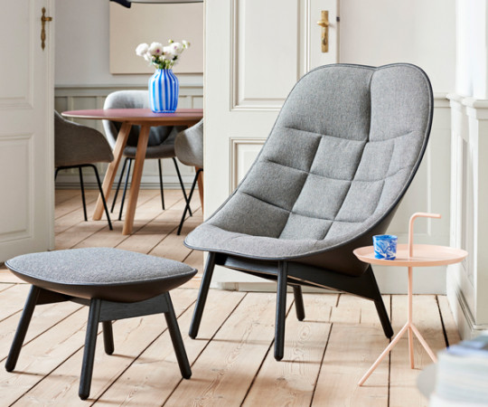 HAY Uchiwa Loungestol M. Skammel - Quilt - Fairway Grey 307-201/Sort Silk Læder