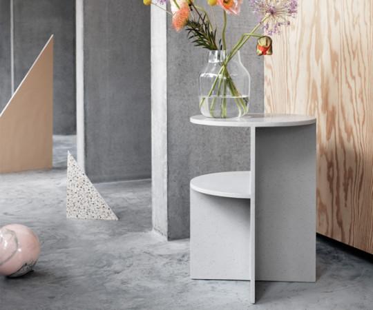 Muuto Halves Side Table - Light Grey