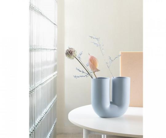 Muuto Kink Vase - H27 - Blå