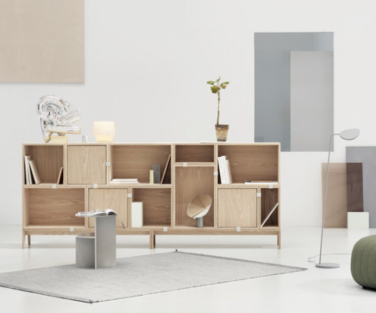 MUUTO Stacked 2.0 - Medium med Bagbeklædning - Light Grey