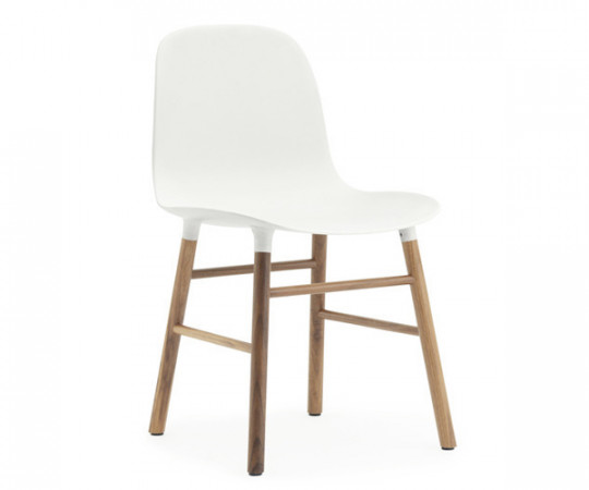 Normann Copenhagen Form Chair Valnød