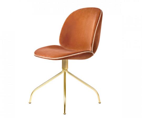 Gubi Beetle Meeting Chair - Messing Drejestel - Velvet - Red-Pink