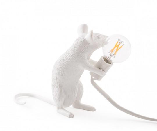 Seletti mouse lamp sitting