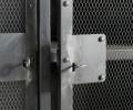 Muubs iron cabinet 18 / vitrine detalje