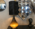 lampe med lys i foden